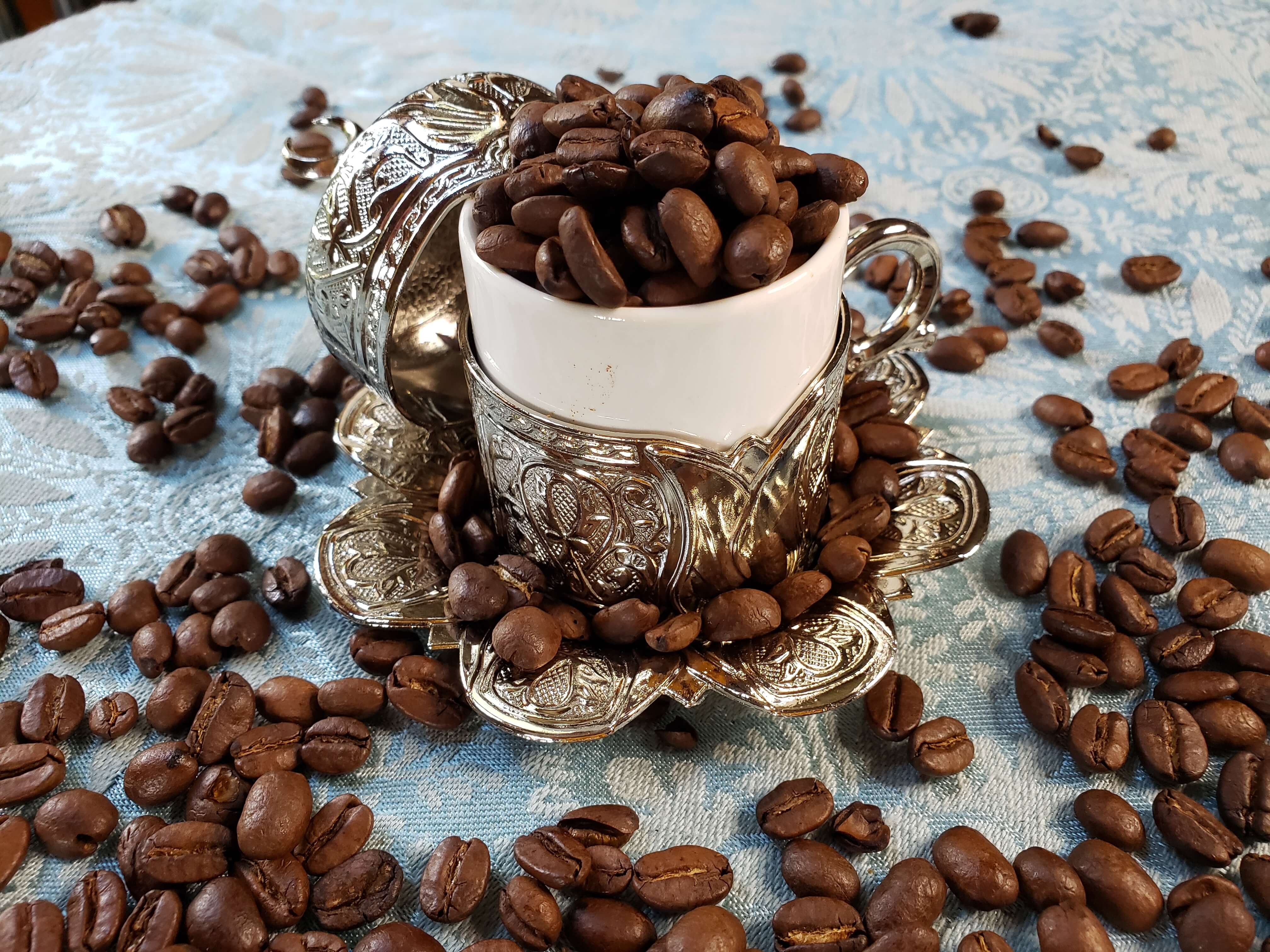 silver-turkish-coffee-cup-with-beans