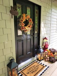fall-seasonal-entryway
