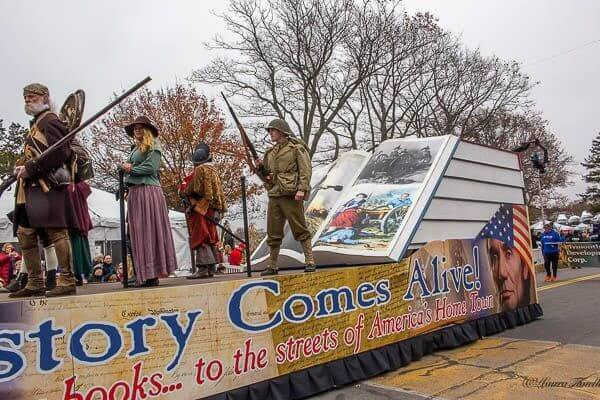 plymouth thanksgiving parade float
