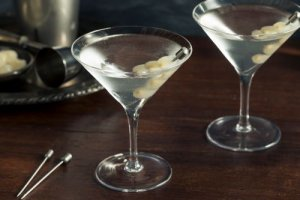 gibson martini vermouth spike cocktail onions