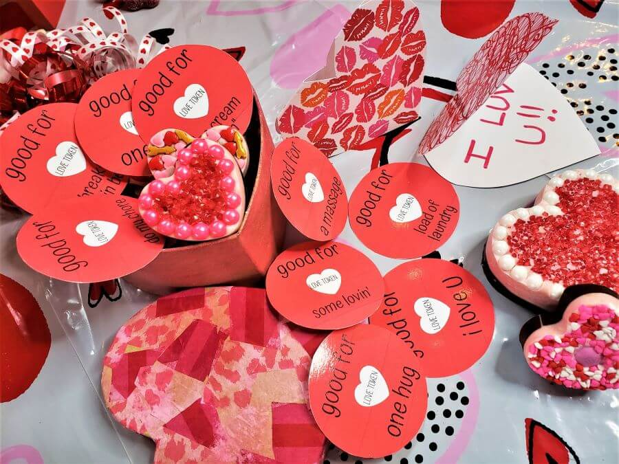 valentine's day love tokens and gift tags