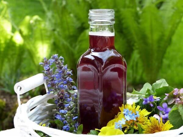 learn to make vinaigrette from scratch fruit flavored vinegar