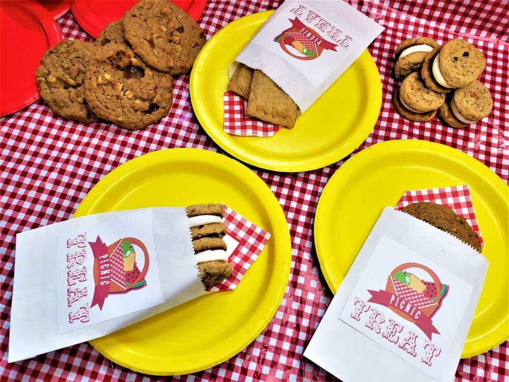 picnic treat bags filled with desserts