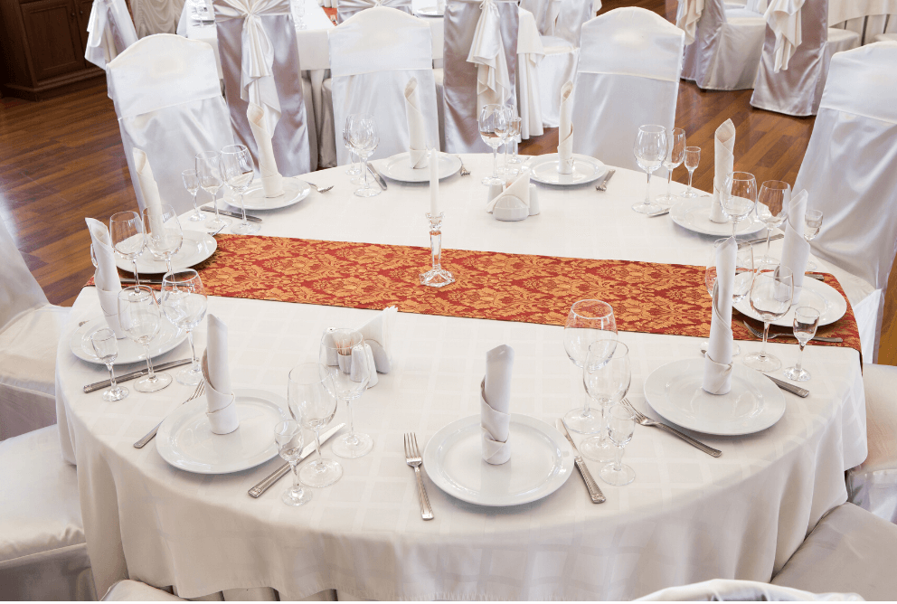 how to clean your tablecloths properly