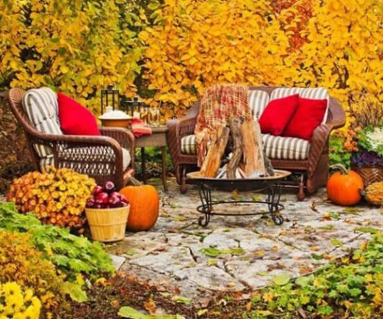 fall outdoor living spaces