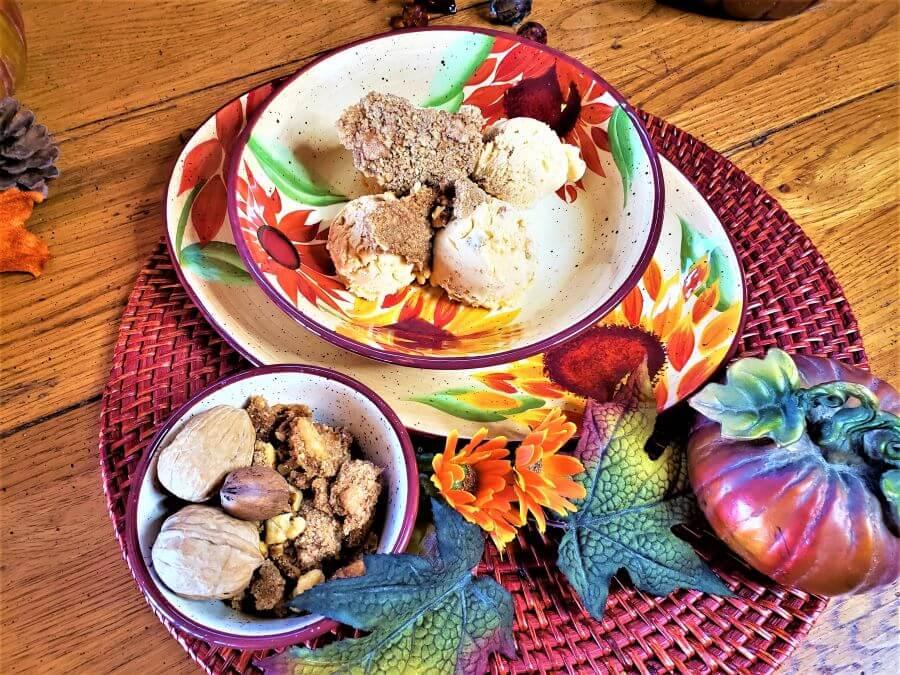 pumpkin streusel ice cream in a sunflower bowl