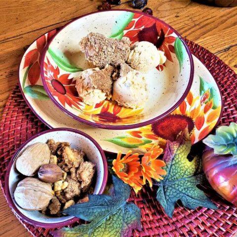 pumpkin streusel ice cream with bowl of streusel chunks