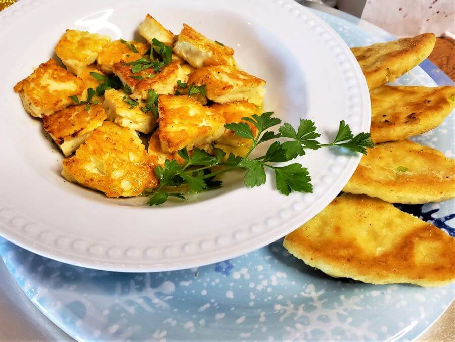 fried halloumi recipe with flatbread