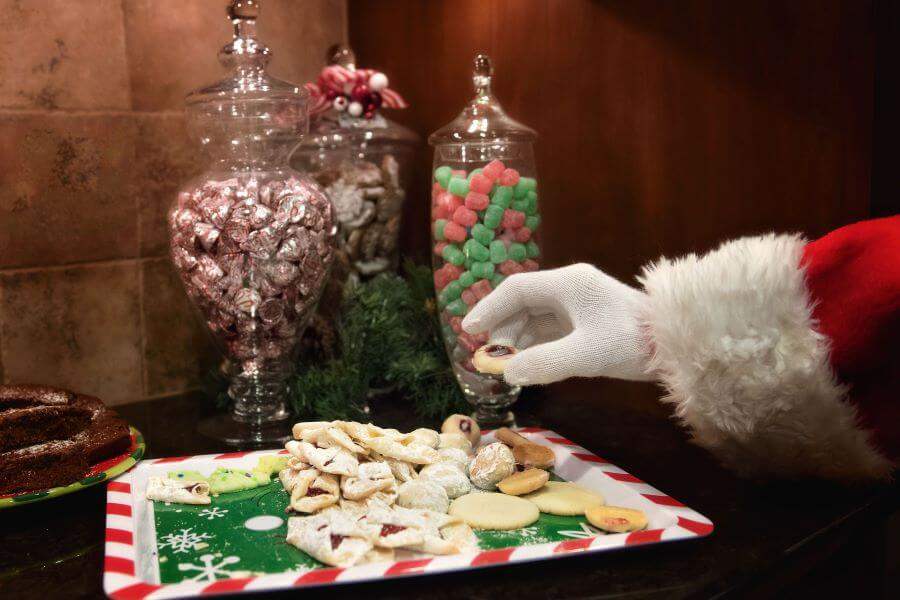 how to host a holiday open house