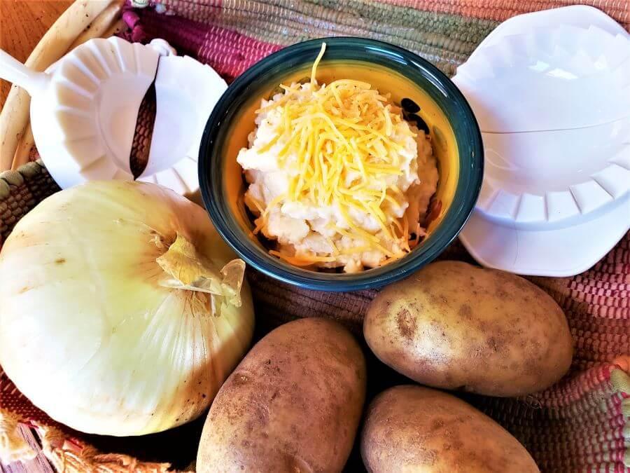 Polish potato cheddar pierogi filling ingredients