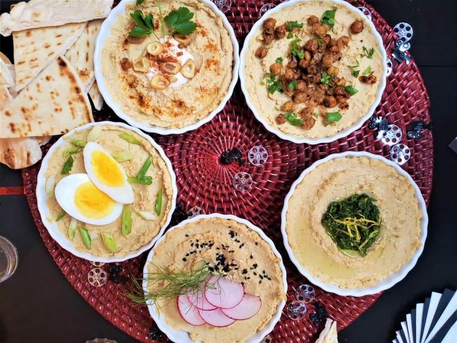 garlicy Israeli hummus