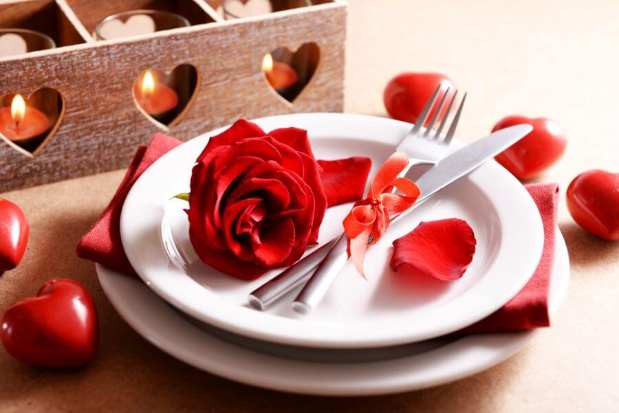 valentine's breakfast in bed plates with rose petals