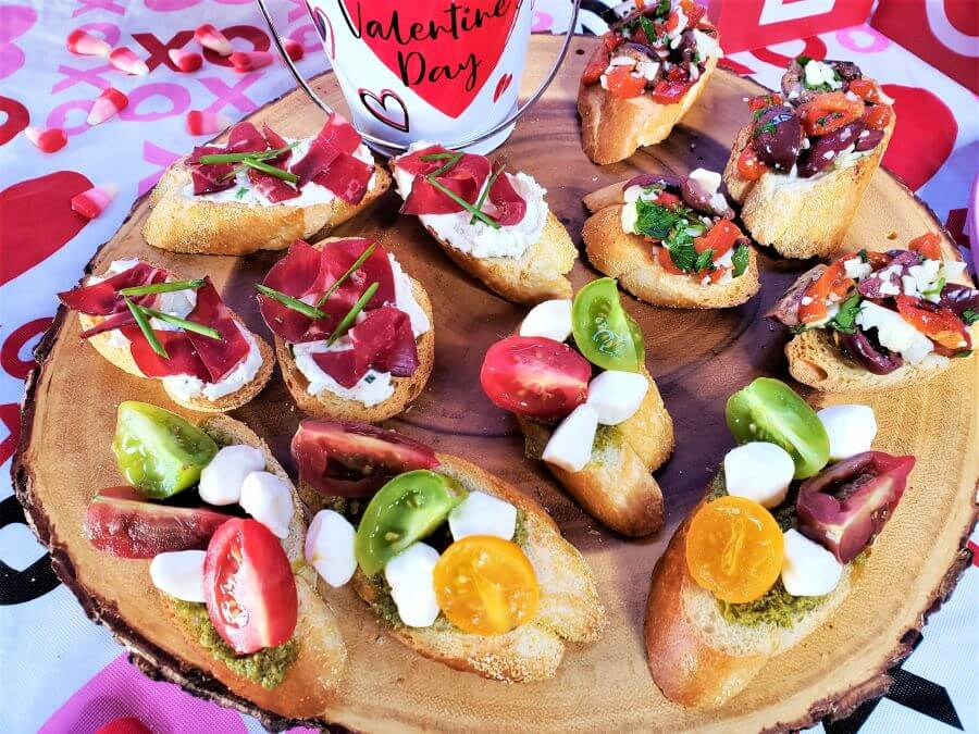 tapas garlic toasts with assorted toppings