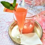 pink grapefruit wine spritzer