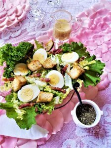 salade lyonnaise with herbs de provence croutons