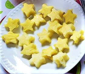 fresh pineapple star cut outs