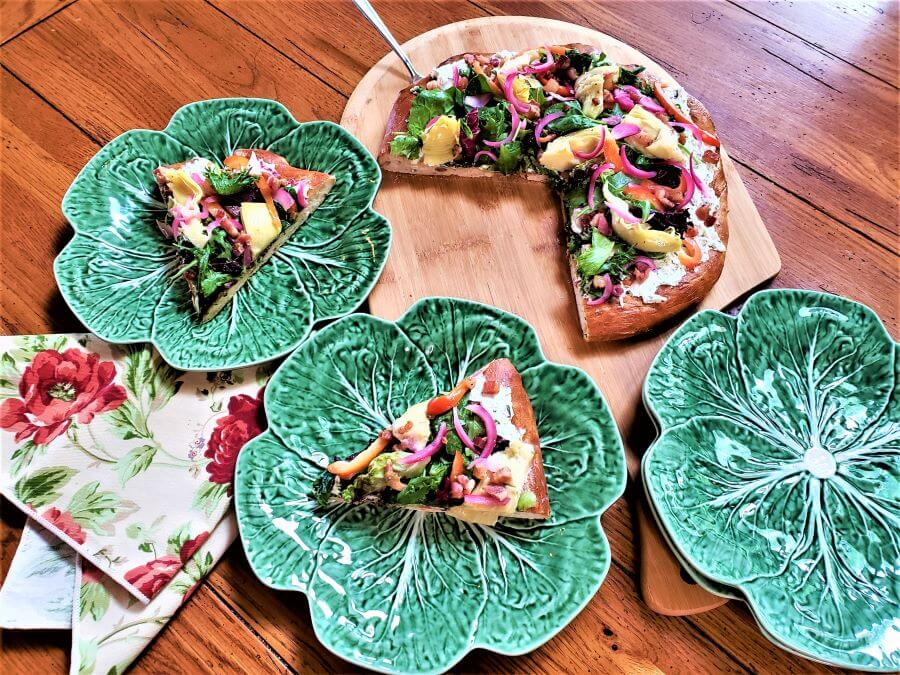 cold herbed cheese and salad pizza